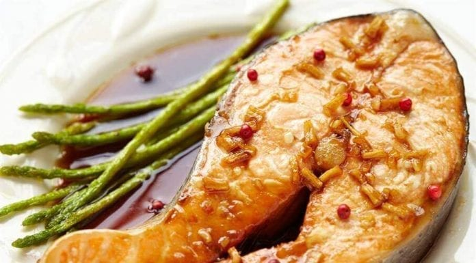 Salmon with ginger and honey ziraleet com  696x385